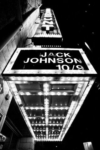 01-jack-johnson-paramount-10-9-2013