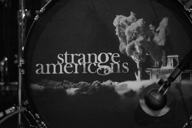 4-strange-americans-2
