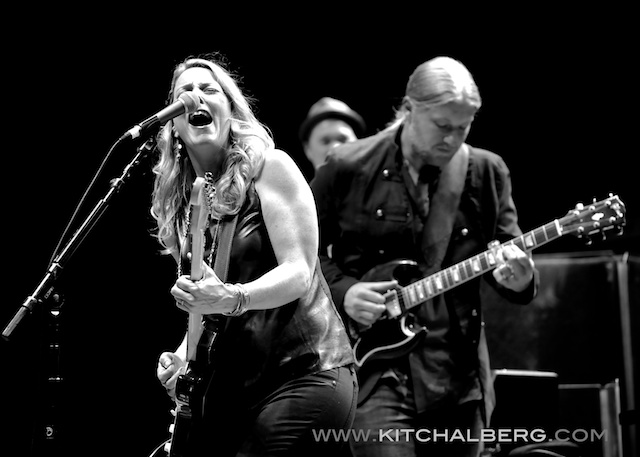 kit-chalberg-tedeschi-trucks-band-red-rocks-6-15-13-17589