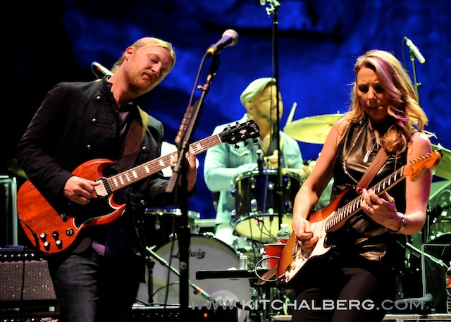 kit-chalberg-tedeschi-trucks-band-red-rocks-6-15-13-17595