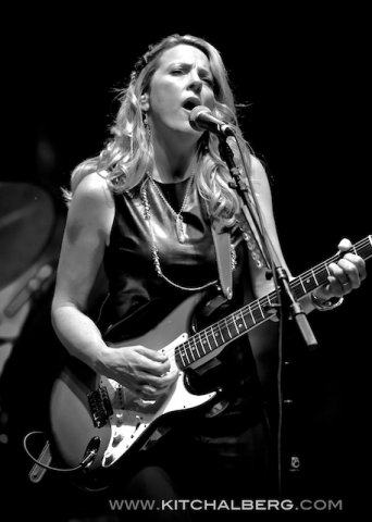 kit-chalberg-tedeschi-trucks-band-red-rocks-6-15-13-17597