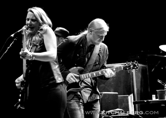 kit-chalberg-tedeschi-trucks-band-red-rocks-6-15-13-17598