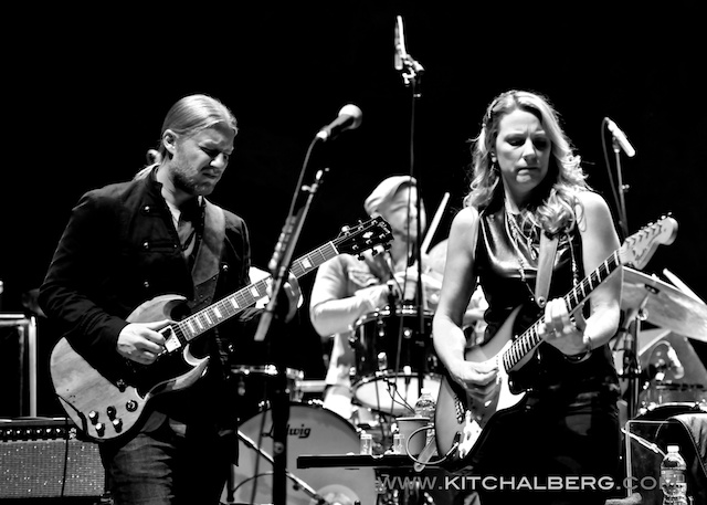 kit-chalberg-tedeschi-trucks-band-red-rocks-6-15-13-17603