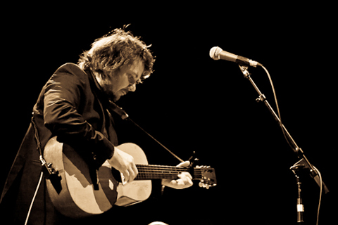 Jeff-Tweedy-at-Boulder-Theater-photo-19