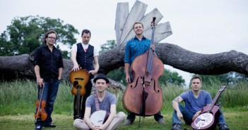 12_Infamous Stringdusters