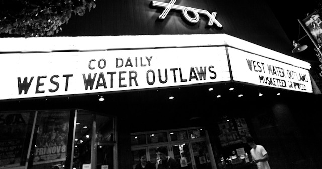 01 West Water Outlaws - Fox-1
