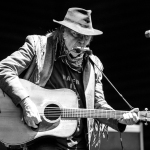 01 Neil Young-10