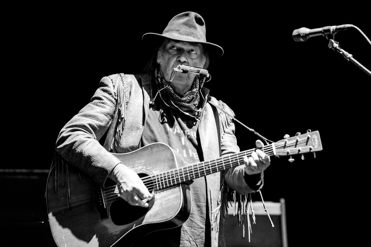 photos neil young telluride 09 30 2016 marquee magazine. Black Bedroom Furniture Sets. Home Design Ideas