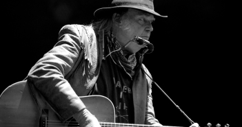 01 Neil Young-23