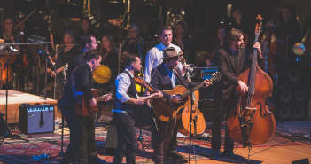 Gregory Alan Isakov w CO Symphony Boettcher 01.12.2016-45