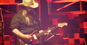03 chris stapleton-red rocks-5-23-2017-09