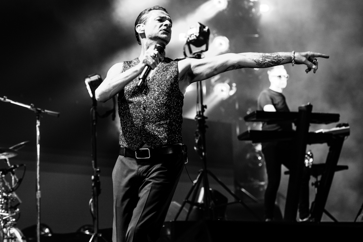 photos depeche mode pepsi center 08 25 2017 marquee magazine. Black Bedroom Furniture Sets. Home Design Ideas