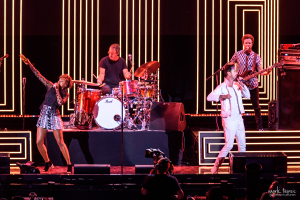 02-Fitz and the Tantrums-MTPhoto01